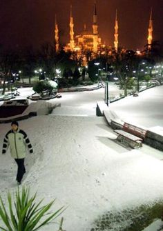 Sultanahmet camii  ---  under the snow   istanbul
