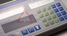 Cân đếm điện tử Vibra Shinko Denshi Model CUX II  Trong quá trình đếm thủ công để xác định số lượng của các sản phẩm, việc sai sót là không tránh khỏi. Đối với những số lượng lớn lên đến hàng nghìn đơn vị, việc đếm sai và đếm lại sẽ khiến chúng ta rất mất thời gian, công sức. Thay vào đó, hãy sử dụng sản phẩm cân đếm để có thể tiết kiệm thời gian mà vẫn đạt được con số chính xác. Ví dụ như việc bạn phải ngồi đếm 1000 sản phẩm có thể lấy đi của bạn đến cả tiếng đồng hồ trong khi cân đếm điện…