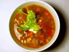 Soupe aux légumes SANS GLUTEN Salade Healthy, Salsa, Ethnic Recipes, Food, Quinoa Salad, Recipe, Kitchens, Onions, Essen