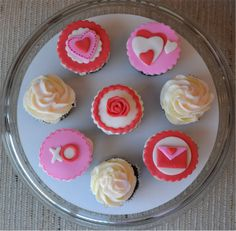 valentine's cupcakes Cupcakes, Valentines, Desserts, Food, Valentine's Day Diy, Tailgate Desserts, Cupcake, Meal, Cup Cakes