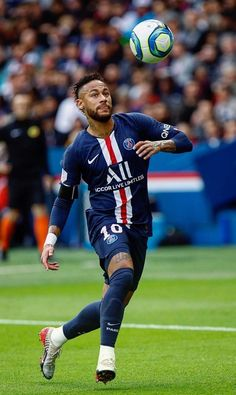 Soccer Teams, Football Players, Goat Football, Neymar Jr Wallpapers, Paris Saint Germain Fc, Neymar Pic, Neymar Football, Online Match, Antoine Griezmann