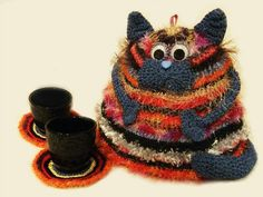 Teapot Kittish Warmer) - CROCHET - ears on the tea warmer? Mug Cozy, Coffee Cozy, Knooking, Knitted Tea Cosies, Crochet Christmas Decorations, Cat Doll, Cat Crafts, Knitting Patterns, Scarf Patterns