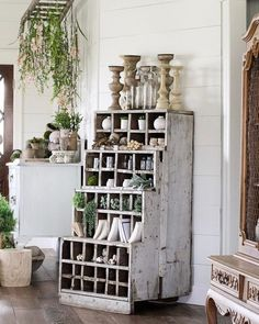10 Certain Clever Hacks: Indian Home Decor Brass home decor luxury backyards.French Home Decor Diy home decor chic classy.Home Decor On A Budget Farmhouse. Tuscan Home Decorating, Diy Home Decor, Interior Decorating, Decorating Ideas, Decor Ideas, Chandeliers, Entryway Decor, Bedroom Decor, Bedroom Rustic