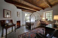 Romantic bedroom in Hatfield Cottage in West Brandywine, PA