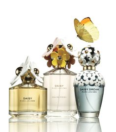 Floral and flirty Marc Jacobs Daisy fragrances pair well with your daytime look