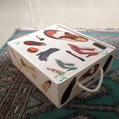 Caja de vino restaurada con decoupage, para útiles limpieza calzado. Creada por Pilar Urgel.