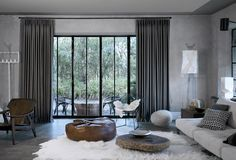 Copahome raamdecoratie gordijn, overgordijn grijs / La décoration de fenêtre. Rideaux, gris Panel Blinds, Panel Curtains, Pleated Curtains, Floor To Ceiling Curtains, Ramen, Black Windows, Home Fireplace, Apartment Design, Studio Apartment