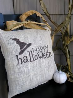 Halloween Pillow - The Lilypad Cottage