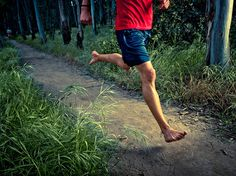 Running injuries in shoes and barefoot - Health - Runner's World