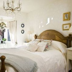 Traditional bedroom pictures and photos for your next decorating project. Find inspiration from of beautiful living room images Tranquil Bedroom, Romantic Master Bedroom, Master Bedroom Design, Home Bedroom, Bedroom Ideas, 1930s Bedroom, Pretty Bedroom, Bedroom Furniture, Master Bedrooms