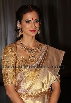 Jewellery Designs: Shilpa Reddy at her Brother Wedding