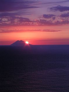 The best places to see lava. Stromboli, Italy. Photo by kla!