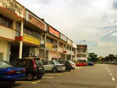 l25x100l Link Factory SUBANG JAYA Shah Alam - 1.5 Storey Link Factory @ Saujana Indah Sek U2 Shah Alam * Tenure: Freehold * Land Area: 25 x 80 * Built Up: 3000 sqft * Occupancy: Tenanted * Accessibility – Easy access to NKVE, GUTHRIE, KESAS,ELITE highway – Easy access to Glenmarie, Subang Jaya, Bukit Jelutong – Easy access to FEDERAL highway For viewing session, please contact EMILY KHO 017 – 904 0612    http://my.ipushproperty.com/property/l25x100l-