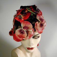 Fantastic 1950s Elsa Schiaparelli Velvet Floral Hat