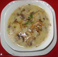 Zupa pieczarkowa wigilijna Soup Recipes, Cooking Recipes, Healthy Recipes, Polish Holidays, Polish Recipes, Polish Food, Soups And Stews, Cheeseburger Chowder, Thermomix