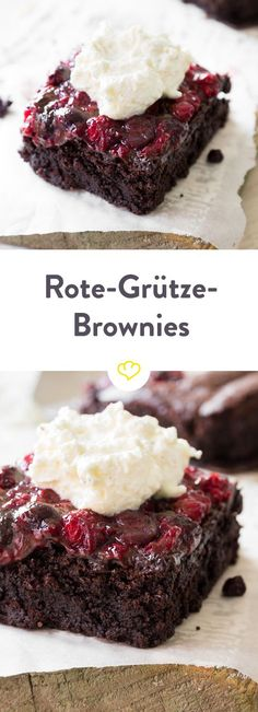 Was deiner Roten Grütze bislang gefehlt hat? Die Schokolade im Boden. Ja wirklich! Kirschen, Himbeeren und Brombeeren schmecken so viel besser, wenn du sie mit einem saftigen Stück Brownie genießt. Und als cremiges Extra gibt es einen Klecks Vanillesahne obendrauf. Mug Recipes, Delicious Cake Recipes, Raw Food Recipes, Yummy Cakes, Sweet Recipes, Baking Recipes, Dessert Recipes, Blondies Cookies, Brownie Bar