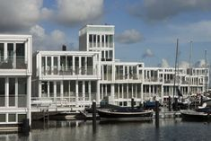 Fighting Climate Change in Holland: Floating houses in Steigereiland, in eastern Amsterdam (Photo: Luuk Kramer)