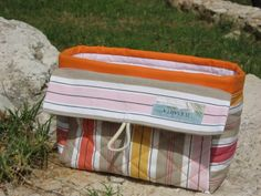 2-in-1 Cosmetic Case – Free Tutorial by Teje Karjalainen #sewing