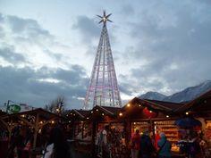 Auf den Spuren der italienischen Touristen am Christkindlmarkt Innsbruck…   Video von unseren Bloggern Sabrina und Vincenzo Tower, Building, Blog, Travel, Italian Man, Alps, Camera, Rook, Viajes