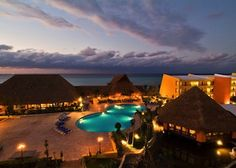 Aaah - warm waters, sandy beaches, Mexico is calling! http://greatescapesclub.com/featured/melia-vacation-club-at-melia-cozumel.html/