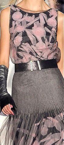 BRAVO MAESTRO Chanel HC AW 2012-13  #ChanelCouture #AutumnWinter2013 Visit espritdegabrielle.com | L'héritage de Coco Chanel #espritdegabrielle
