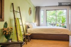 The apartment is located in the city center, in one of the best location of Bangkok for bar, restaurants and nightclubs with easy access to shopping malls and cultural attractions. Only 5 min away from BTS Skytrain Thong Lo by walk, or for 10 baht (30 cents) with a motorbike.