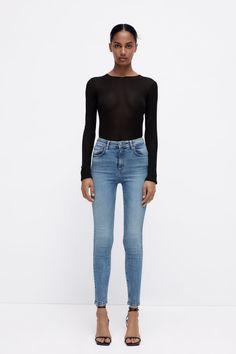 LIMITLESS JEANS - Azul | ZARA España Mom Jeans, Navy Blue, Zara, Skinny, Pants, Fashion, Stretch Fabric, Zippers, Pockets