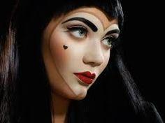 Queen of hearts- Cool halloween makeup