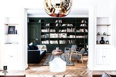 Rue Boissière – Paris XVI –Appartement– 200m2. Architecture d'intérieur – Rénovation – Décoration – Aménagement Comme dans beaucoup d'appartements Haussmanniens qui n'ont pas encore eu la chance d'être rénovés récemment, certaines pièces, comme la cuisine ou la salle de bain, sont rarement au bons endroits et aux bonnes dimensions (souvent repoussées bien loin dans l'appartement, …
