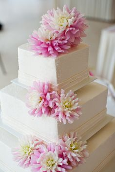 """""""Chilson's Pride"""" Dahlias from local farm on my wedding cake.  Gorgeous!"""