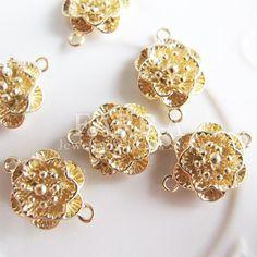 Flower shaped linker beads 6 pieces gold color plated by FARRAgem,   www.farragem.etsy.com