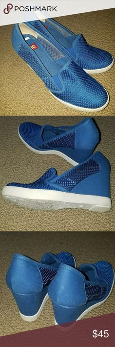 f0af29db19 Ladies BC footwear Color blue wedge size 6.5
