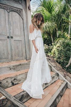 The Elizabeth Gown- Spell Byron Hippy Chic, Boho Chic, Bohemian Bride, Bohemian Style, Bridal Gowns, Wedding Gowns, Halter Gown, Halter Neck, Mode Boho