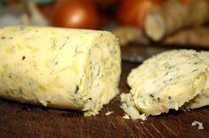 Fica uma delicia, ótima para comer com torradas, fazer entradinhas, colocar em grelhados e etc.. Como Fazer Manteiga Temperada.