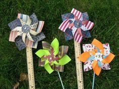 Vous désirez fabriquer un moulin à vent en papier pour décorer l'intérieur ou le jardin ?