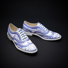 Hand-made and based on the classic brogue shoe pattern, these brogues feature a porcelain 3D print.