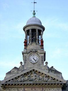 Le clocher Martin- Martine Cambrai (Nord) - Hôtel de ville
