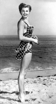 On the beach..... The beatiful Esther Williams. Vintage swim wear