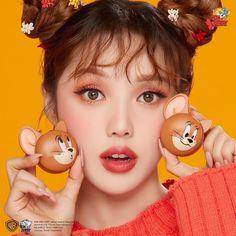 🔍Etude House - Lucky Together Two Tone Cheek Dome Pony Makeup, Cute Makeup, Makeup Looks, Korean Natural Makeup, Natural Beauty, Asian Model Girl, Face Facial, Etude House, Wig Making
