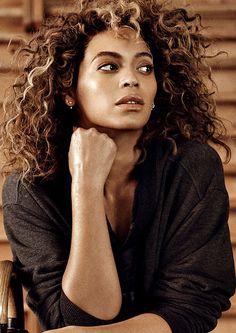 #Curly #Hair: Liberte os #caracóis neste #verão! #CurlyHair #trendy #waves #healthy #Beyoncé