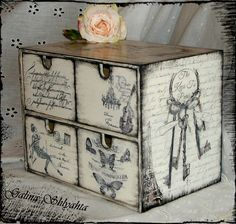 I will show you how to decoupage a lovely jars from. I used decoupage glue and paper napkins. Decoupage Furniture, Decoupage Box, Decoupage Vintage, Shabby Vintage, Painted Furniture, French Vintage, Ikea Decor, Shabby Chic Crafts, Altered Boxes