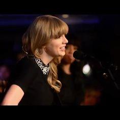 Taylor Swift Singing, Taylor Swift Music Videos, Taylor Swift Concert, Taylor Swift Album, Taylor Swift Style, Taylor Alison Swift, Shakira Song Lyrics, Happy Music Video, Barbie Drawing