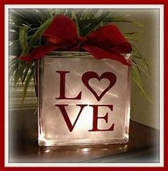 46 Lovely Valentine Window Decoration Ideas - Everyone thinks of chocolates and red roses for Valentine's Day. But there are other ways to show your Valentine how much you care that will create wo. Valentine Shirts, Valentines For Mom, Valentine Day Crafts, Holiday Crafts, Holiday Fun, Valentine Wreath, Homemade Valentines, Valentines Ideas For Her, Holiday Quote