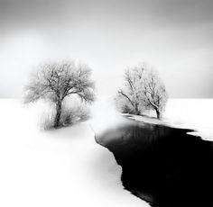 Minimalist Black-and-White Photography By Vassilis Tangoulis