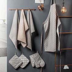 Végre elérkezett a pillanat, hogy bemutathatjuk az idei konyharuha kollekciónkat!  #aldi #aldimagyarország Towel, Bathroom, Washroom, Bath Room, Bathrooms, Downstairs Bathroom, Towels, Full Bath, Bath