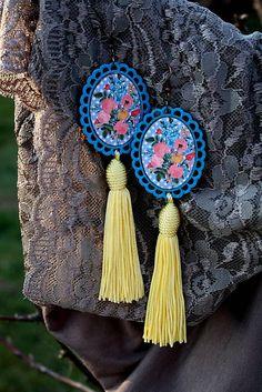 RetroBijou / Modro - žlté strapcové naušnice Tassel Necklace, Dream Catcher, Decoupage, Tassels, Retro, Handmade, Jewelry, Fashion, Souvenir