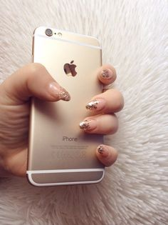 Image uploaded by ⒶⓇⒹⒾⓉⒶ. Find images and videos about nails, gold and iphone on We Heart It - the app to get lost in what you love. Cute Nail Colors, Cute Nail Art, Cute Nails, Iphone 6 Gold, Tumblr Iphone, The Claw, Gold Tips, Mac Laptop, Coque Iphone