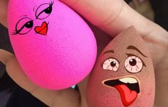The most practical beauty tool that the industry has introduced in the past decade. We round up 7 facts every devoted Beautyblender fan needs to know. Facts You Didnt Know, Beauty Hacks, Beauty Tips, Beauty Blender, Cosmopolitan, Beauty Products, Makeup Sponge, Beauty Tricks, Beauty Secrets