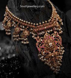 Indian Jewellery Design, Indian Jewelry, Jewelry Design, Antique Jewellery, Pendant Jewelry, Gold Jewelry, Gold Pendant, Wedding Jewelry, Gold Earrings Designs