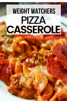 This pepperoni pizza casserole is and easy delicious and low point recipe for all WW plans You can eat this for just 3 smartpoints on blue purple and green Weight Watchers plans ww weightwatchers casserolerecipes wwblue wwgreen wwpurple Weight Watcher Desserts, Weight Watchers Snacks, Weight Watchers Casserole, Weight Watchers Meal Plans, Weigh Watchers, Weight Watcher Dinners, Weight Watcher Breakfast, Weight Watchers Freezer Meals, Weight Watchers Chili